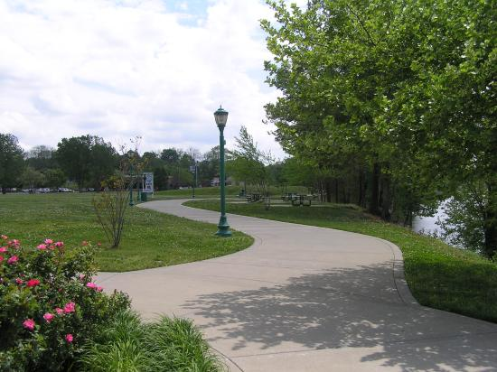 Clarksville, TN: Plenty of scenic room to enjoy