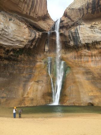 Calf Creek Falls Recreation Area: Amazing waterfall