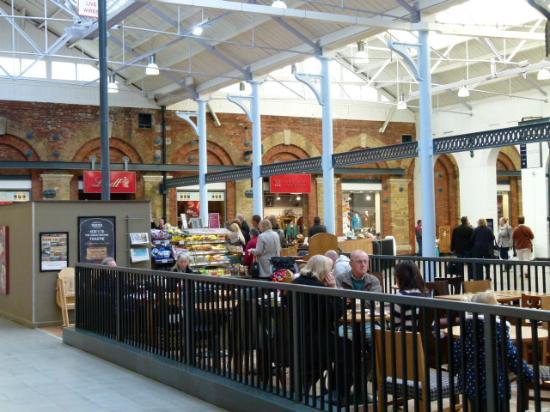 Swindon Designer Outlet: Plenty of places to eat.