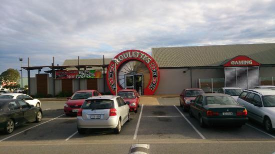Roulettes Tavern