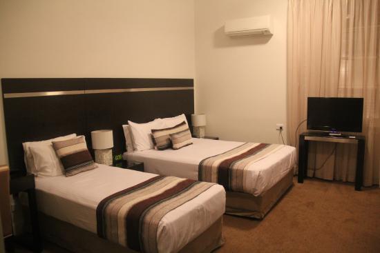 Monte Pio Hotel and Conference Centre Image