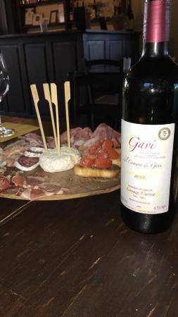 B&B Nonna Du: Apero pour 4 = 20 € vin de la propriété Génial !!!!