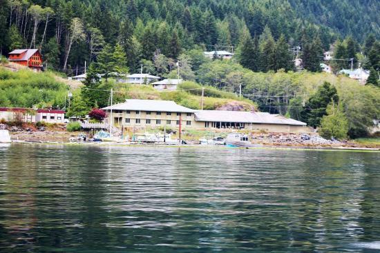 Maquinna Resort