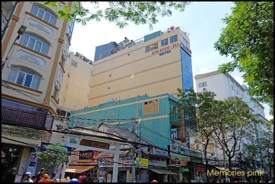 Kim Khoi Hotel : โรงแรมสูงถึง 7 ชั้น มองเห็นแต่ไกล
