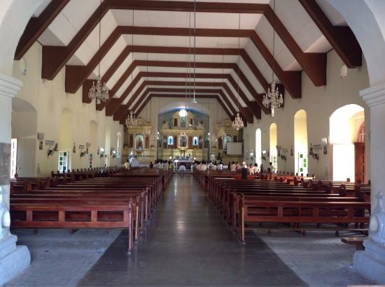 ‪‪Bangued‬, الفلبين: bangued church interior and front shot‬