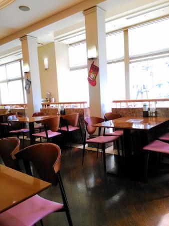 Hotel Plaza Nanohana: レストランの様子。