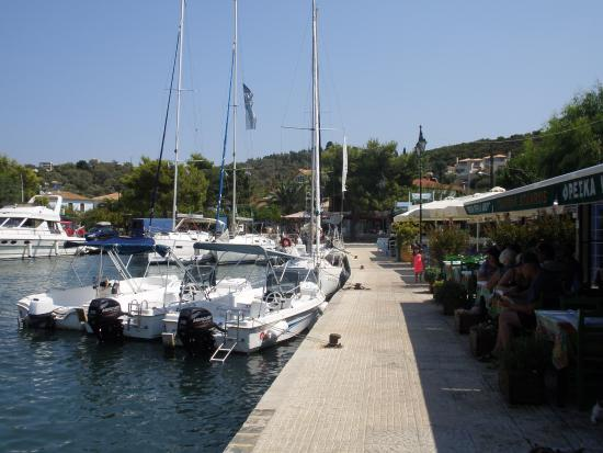 Day Sail Adventures : Lunch stop in Meganissi