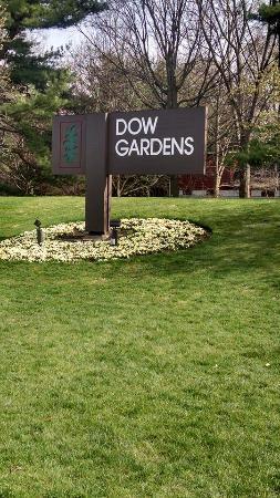 Midland, MI: Welcome to the Dow Garden