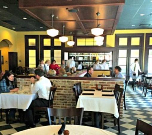 Ridgeland, MS: Inside the restaurant