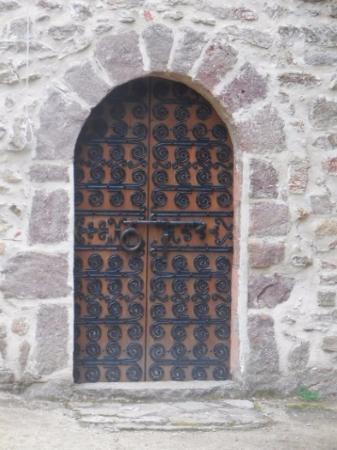 Amelie-les-Bains-Palalda, Frankrike: porte très décorée