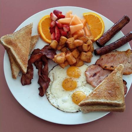 นิวมาร์เก็ต, แคนาดา: Custom big breakfast!