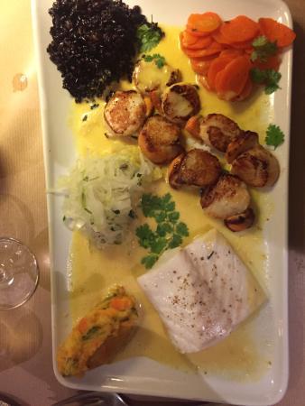 L'anchoiade: St Jacques, fish, black rice and pumpkin purée