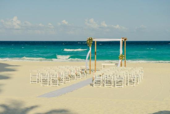 The Westin Lagunamar Ocean Resort Villas Spa Cancun Beach Wedding Setup