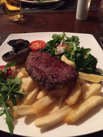 Knighton, UK: Amazing food at the Radnorshire Arms. Keep having to go back!
