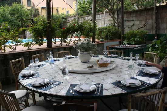 Villa Ida Cooking Lessons: Our dining table by the pool