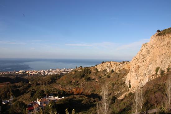 Ojen, สเปน: Uitzicht vanaf het terras.