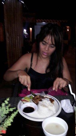 Villa de Oro Restaurant: 20160425_214005_large.jpg