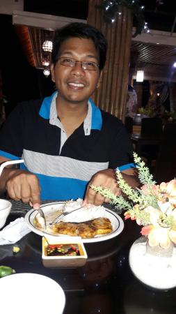 Villa de Oro Restaurant: 20160425_213940_large.jpg