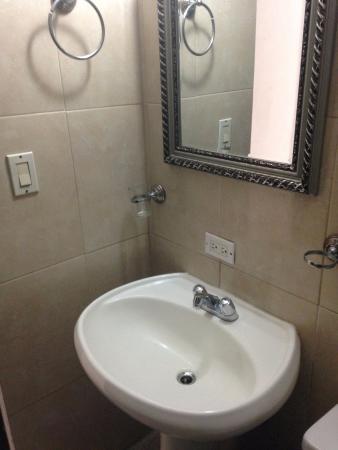 Hotel el Parador: Detalle del baño