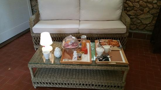 ‪‪Casa9 Hotel‬: Breakfast for two on the private patio‬