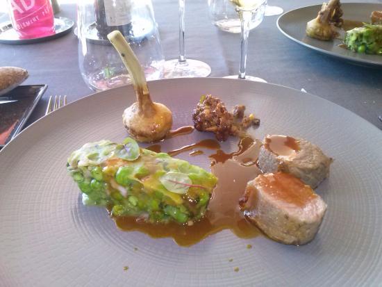 Clesse, Francja: Filet d'agneau, artichaut farigoule...