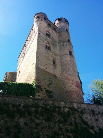 Серралунга-д'Альба, Италия: Castello di Serralunga