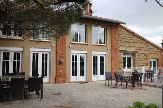 Auterive, Prancis: La terrasse et les extérieurs...