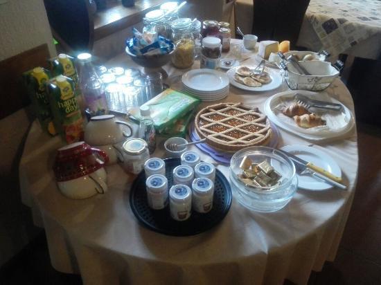 Hotel Coeur du Village: IMG_20160430_090923_large.jpg