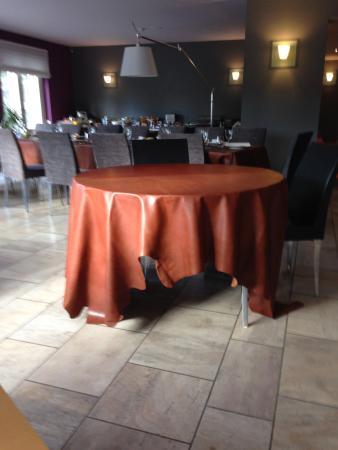Rochefort, Bélgica: Dierenhuid als tafellinnen