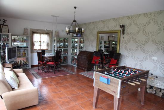 Cossourado, Portugal: 51me anniversaire sur terrasse avec un couple rencontré ici