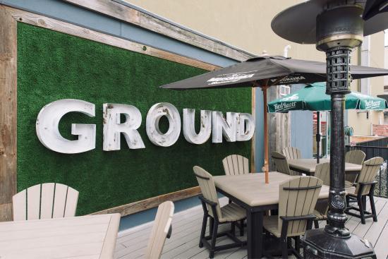 นิวมาร์เก็ต, แคนาดา: Ground Burger Bar