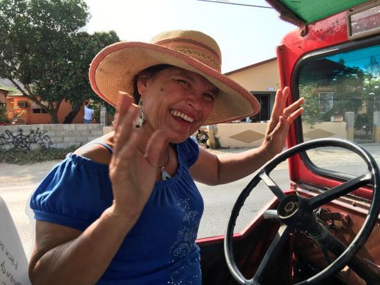Santa Cruz, Aruba: Madi - Tour guide