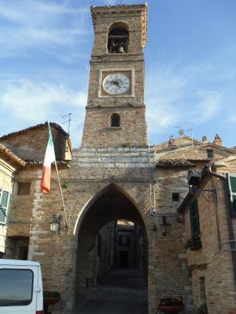 Arcevia, Italia: castello e borgo medievale di Piticchio