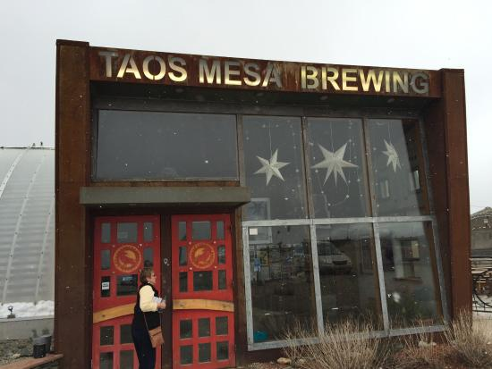 Taos Mesa Brewing: Different kind of Earthship!