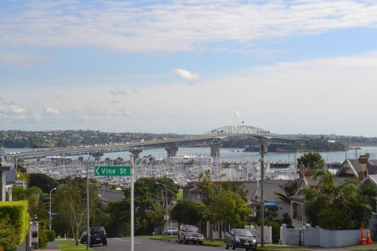 Abaco On Jervois: Auckland Harbour Bridge