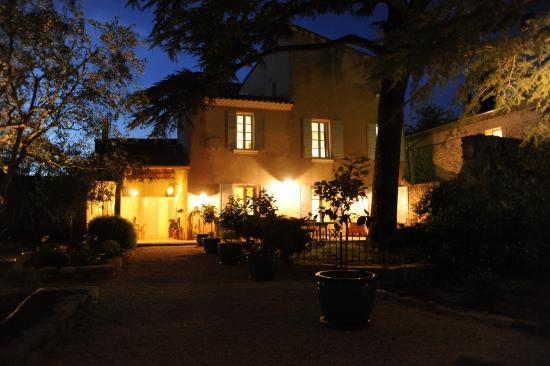 Jardin nuit picture of le jardin de mazan mazan tripadvisor - Jardin romantique nuit perpignan ...