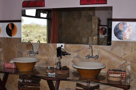 Hatari Lodge: Bad in der Honeymoon Suite