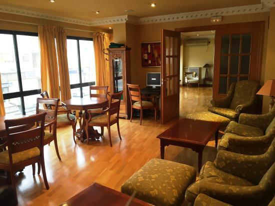 Hotel Juanito: Sala social