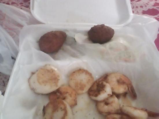 Port Wentworth, GA: This ( three scallops and six shrimp) was seventeen dollars! Really?