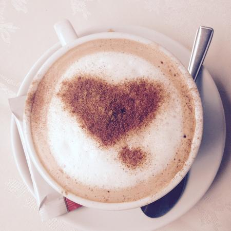 Cleverdons Cafe: No matter when I come here early morning or during the busy lunch rush I always enjoy a lovely h