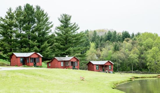 Crumpler, NC: Some of the cabins available for rent.