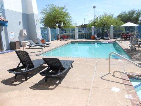 Baymont Inn & Suites Tempe Phoenix Airport: Pool