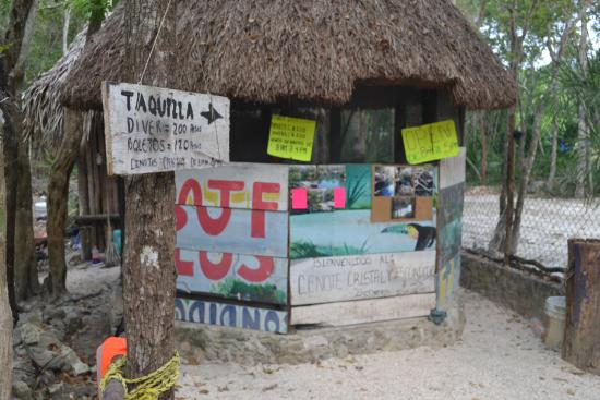 Cenote Crystal: Ticket booth at Cenote Cristal