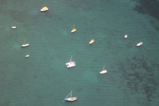 Trois-Ilets, Martinica: survol de l'anse des trois ilets