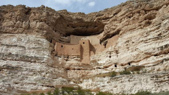Camp Verde, Αριζόνα: Cliff dwelling at Montezuma National Monument in Arizona