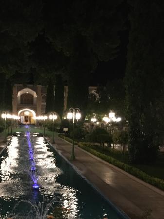 Chehel Sotun restaurant : Cennet bahçesi.