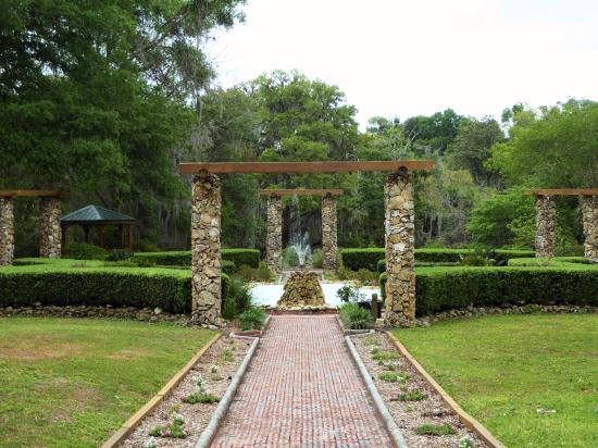 Beautiful Pond And Water Wheel Picture Of Ravine Gardens State Park Palatka Tripadvisor