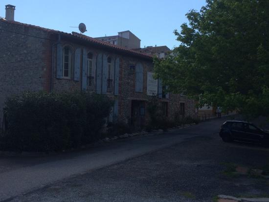 Prades, Frankrig: Fachada del hotel