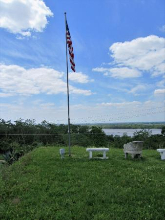 Natchez, MS: resting above the river