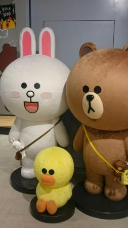 LINE FRIENDS CAFE & STORE 福岡